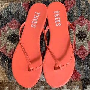 Coral Tkees